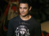 News video: Aamir Khan learning Bhojpuri for Peekay!