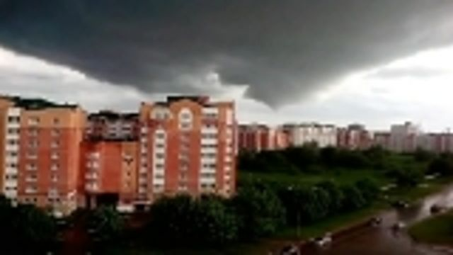 News video: Suspected tornado rips through central Russian town